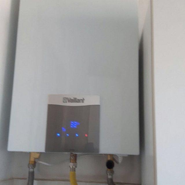 Installazione boiler vaillant